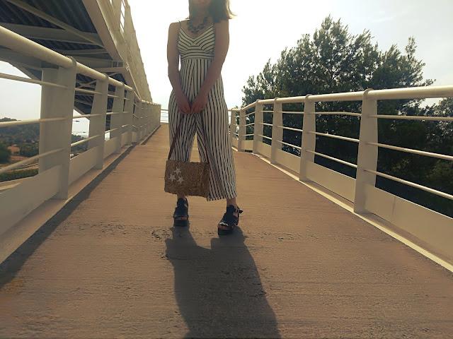https://sweetdreamofarosefashionblog.blogspot.com/2018/07/white-and-blue-jumpsuit.html