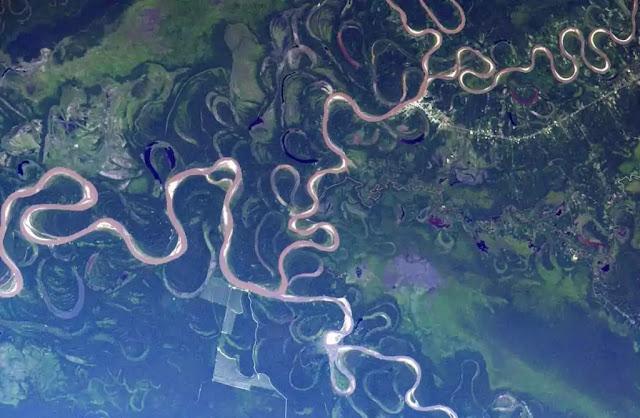 tempat yang terlihat dari luar angkasa 09