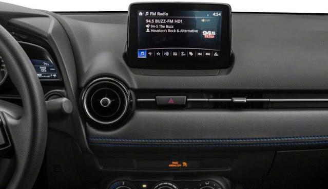 screen-display-of-toyota-sedan-yaris-2020