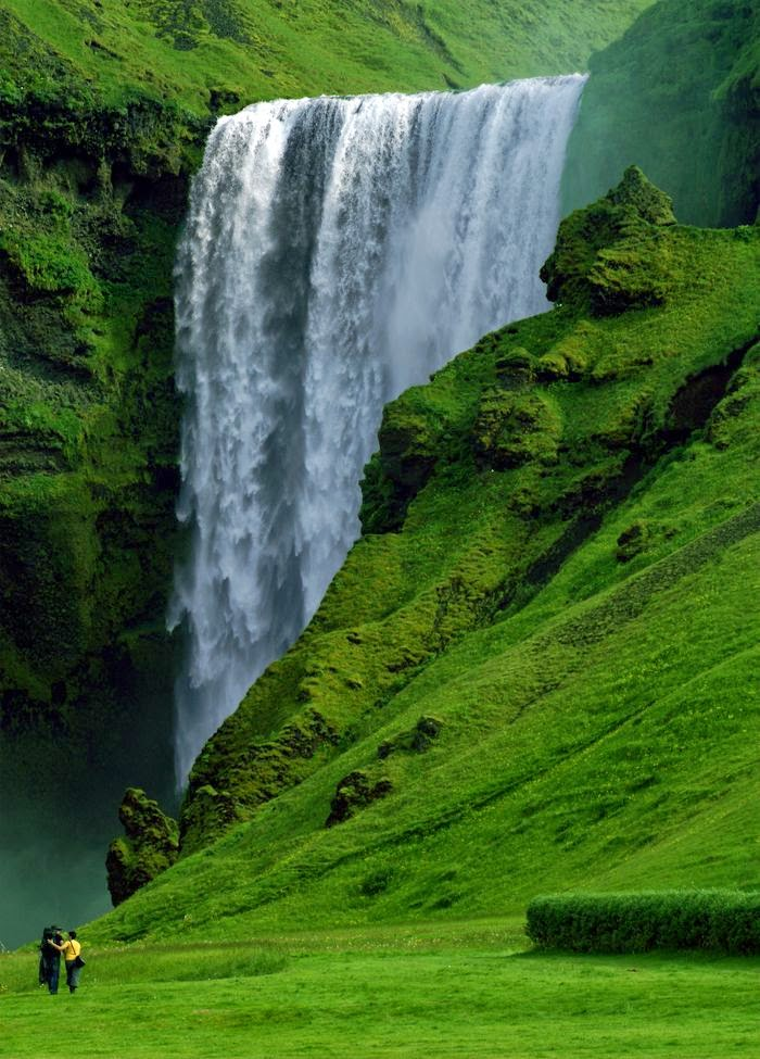 10 Best Adventure Holiday Destinations | The Skógafoss Waterfall – Iceland