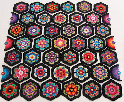 Robin Atkins, Frida's Flowers, layout for crocheted blocks