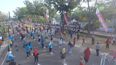 """Ngecok Bareng"" di Lombok Barat dengan Protokol Kesehatan"