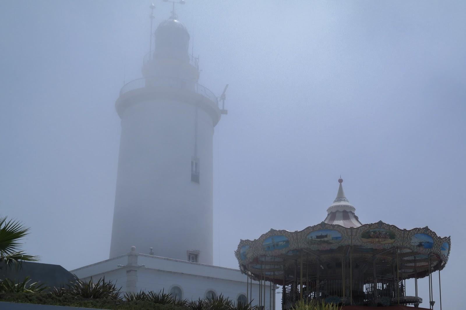 Mgła na plaży w Maladze