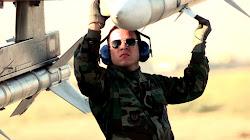 Không quân Hoa Kỳ thực hiện cuộc thử nghiệm bắn đạn thật đầu tiên đối với tên lửa AIM-120 do IRST giám sát