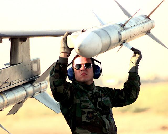tên lửa AIM-120