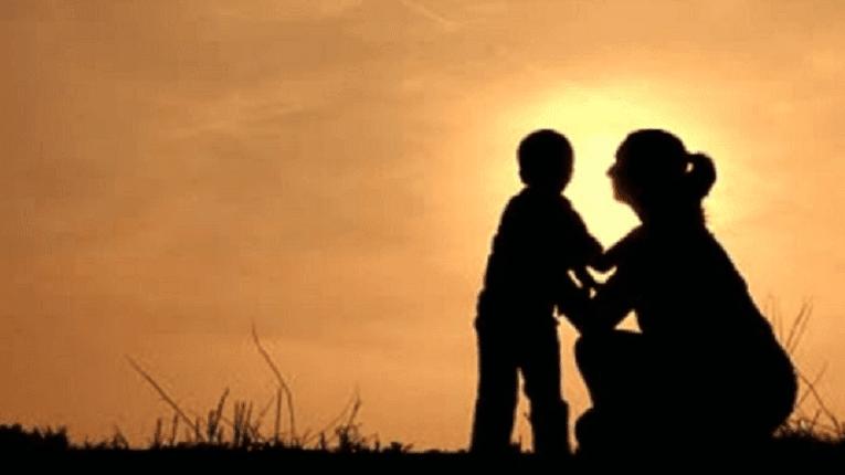 Puisi [ibu] Perempuan Berkalung Kesetiaan