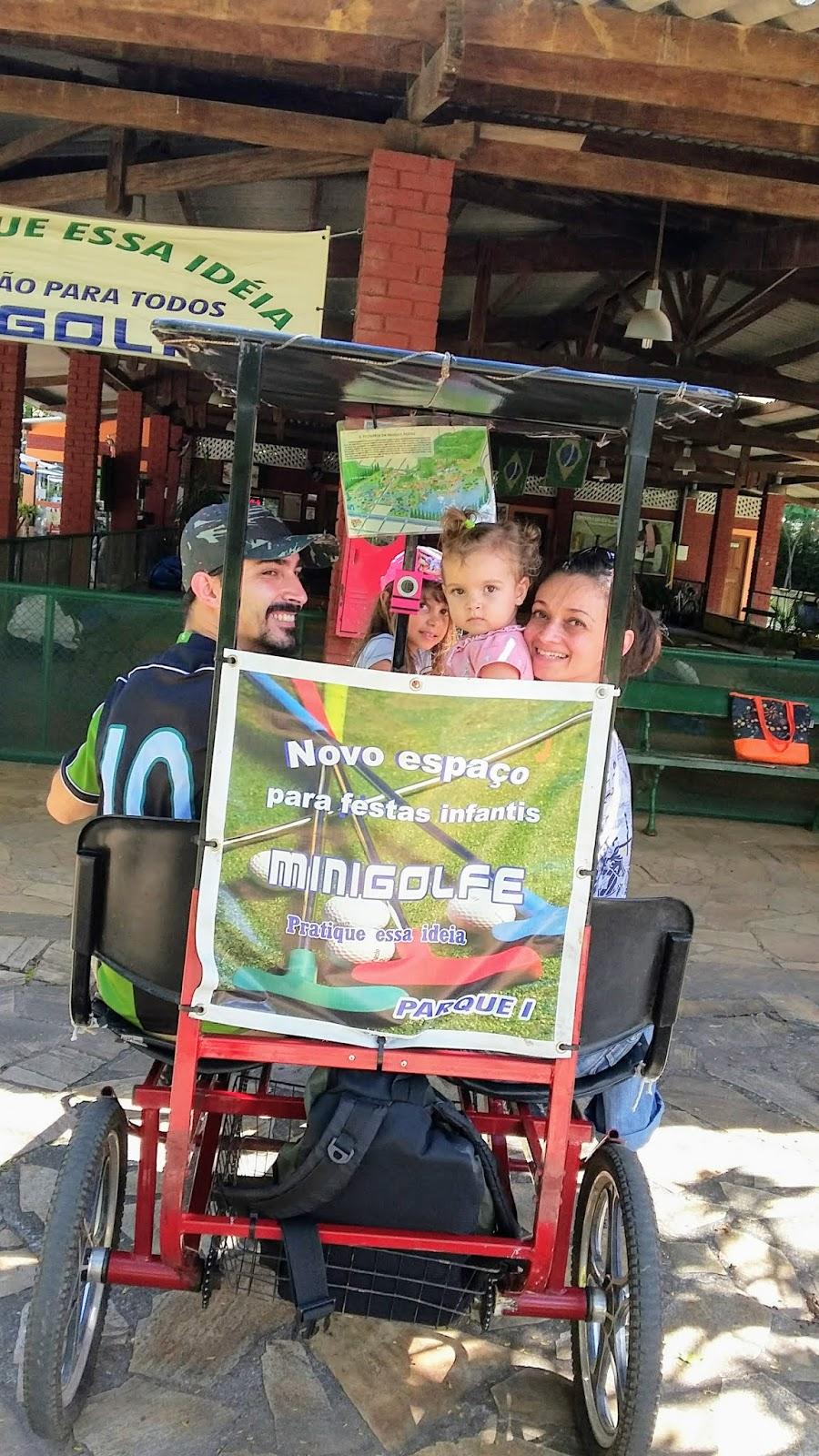 Passeio de triciclo pelo Parque das Águas de São Lourenço