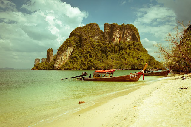 10 Things You Must Have While Travelling To Thailand