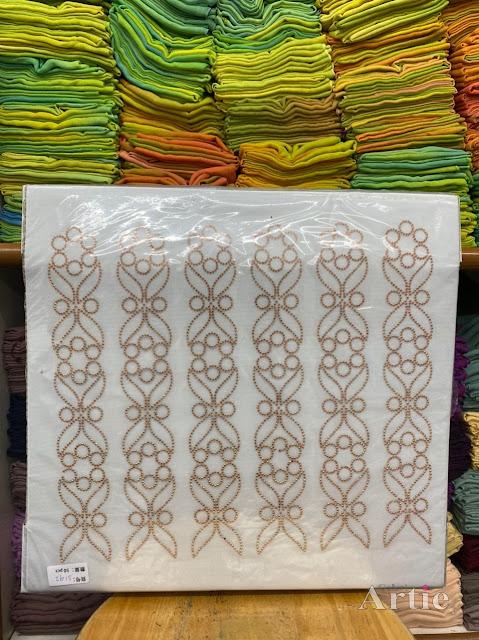 Sticker hotfix rhinestone DMC 6 jalur aplikasi tudung, bawal & fabrik pakaian motif islamik segi enam seamless warna gold