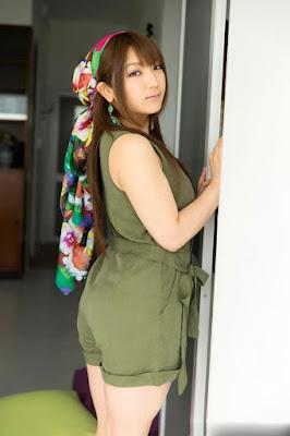 Shiroi Kamisaki hot mom gate in incest