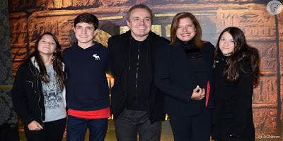 imagem da família de Gugu Liberato