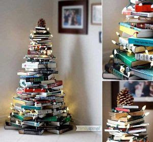 arvore de natal feita de livros