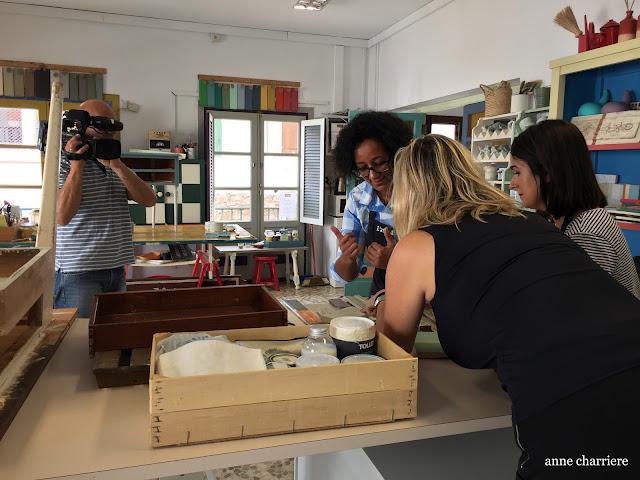 www.annecharriere.com, atelier d'anne, benahavis, marbella, peinture, television,
