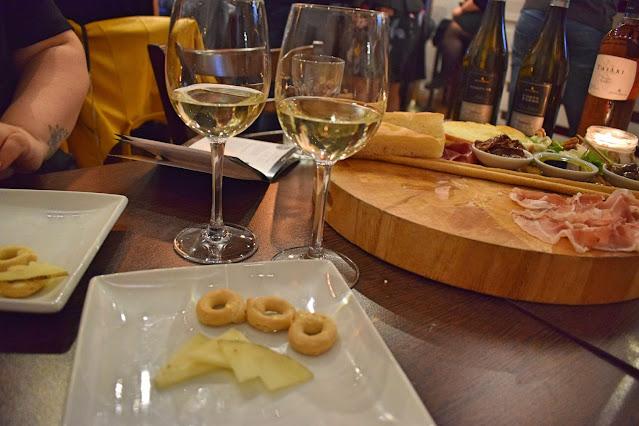 Italian wine tasting at Veeno Leeds Corte Ferro Sicani Zibibbo with pecorino