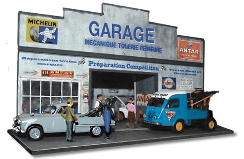 Diorama de un hermoso garaje de estilo Art Deco que incluye dos autos y cuatro minifiguras