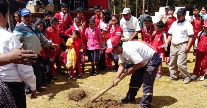 PRONIED: Colocan primera piedra para la construcción de la IE Libertador San Martín en Ancash - www.pronied.gob.pe
