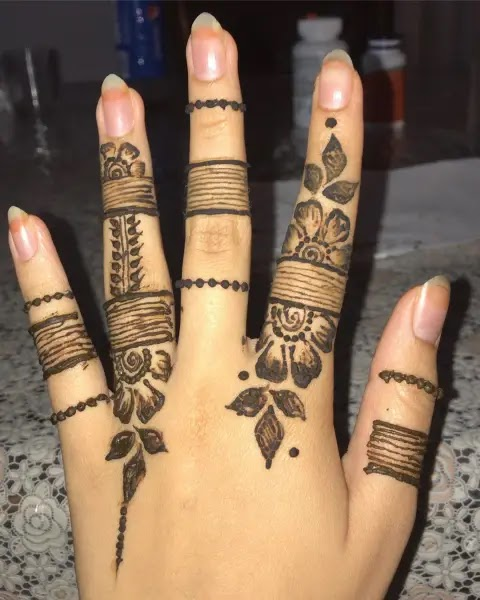 simple-finger-henna