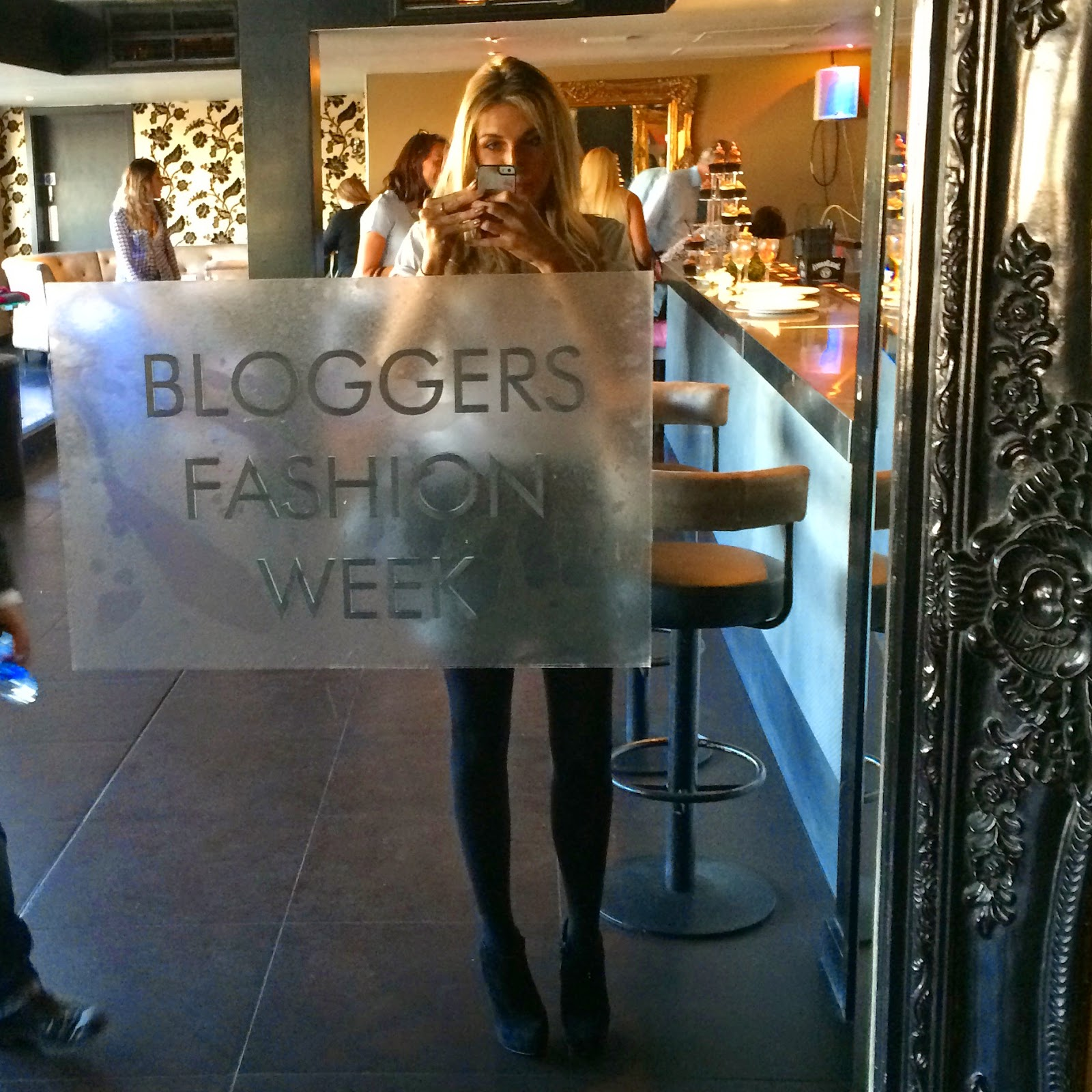 bloggers-love-fashion-week-2014-leicester-square