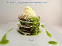 Mil hojas de Berenjena, Mozzarella, Aguacate y pesto