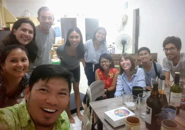 All smiles and some wine for these nature- and environment-minded peeps || GREGG YAN