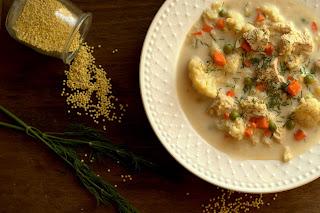 Zupa kalafiorowa z kaszą jaglaną