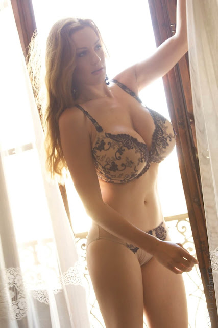 Jordan-Carver- Passionata-Beautiful-Photoshoot-Image-6