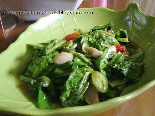 Tumis atau oseng dalam bahasa Jawa merupakan cara memasak yang gampang dan mudah RESEP MASAKAN PRAKTIS TUMIS SAYUR CUCIWIS