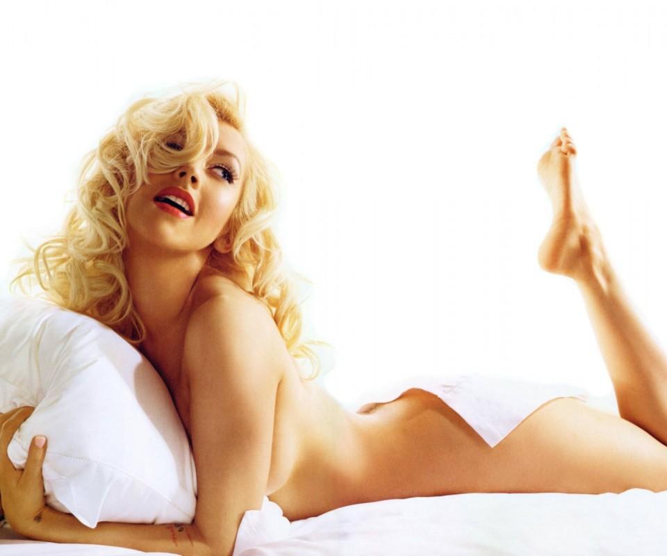 Sexy Christina Aguilera Nude