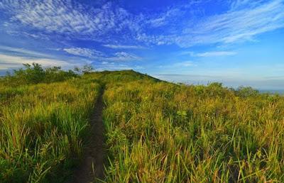 Gunung Titi, Bukit Titi, Jalur Pendakian Gunung Titi, Keindahan Gunung Titi