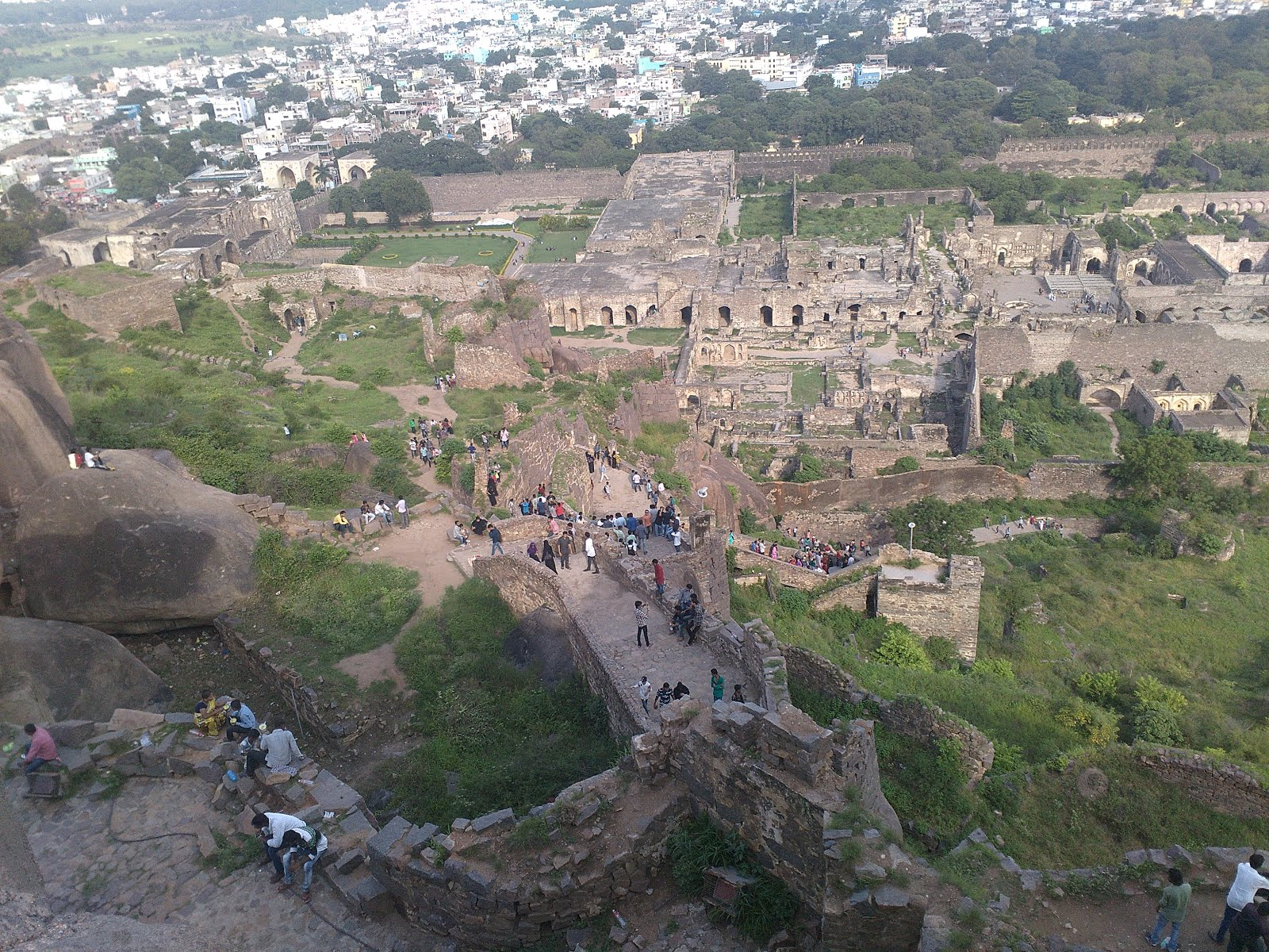 Golconda Fort - Depicts the history of Hyderabad | Siva
