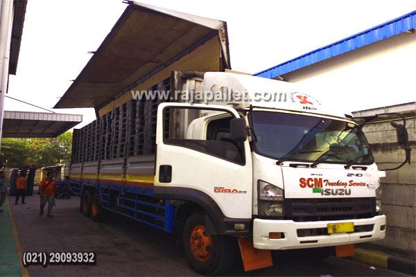 700 Pcs Pallet Plastik Bekas Kirim Ke Perusahaan Food & Beverage Semarang