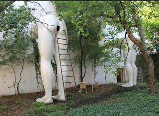 Patung Pantat, Praha