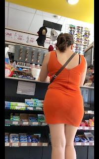 Chava piernas sabrosas vestido corto