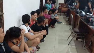 Polisi Bongkar Prostitusi Online Michat di medan, digrebek jam 12 Malam