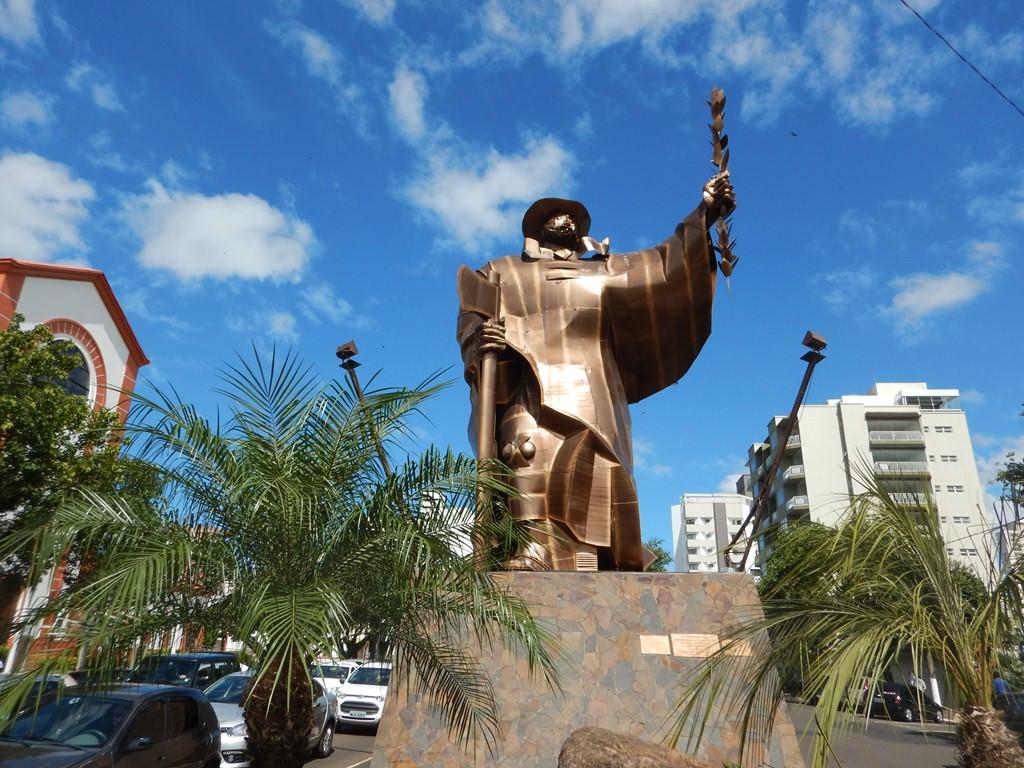 Monumento O Desbravador em Chapecó