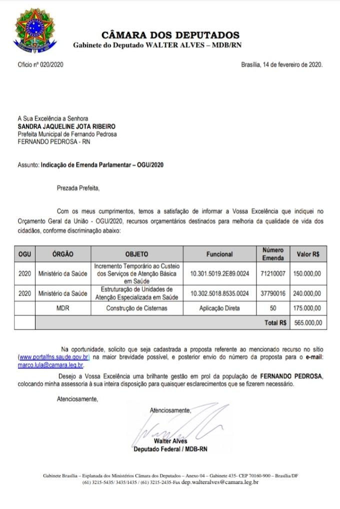 Prefeita Sandra consegue mais de R$ 500 mil de emendas com o deputado Walter Alves para FP