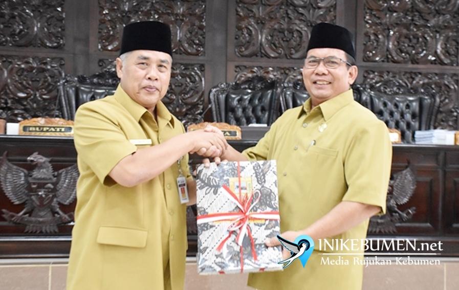 Paripurna DPRD Perdana, Delapan Raperda Diajukan Bupati Kebumen ke DPRD untuk Dibahas
