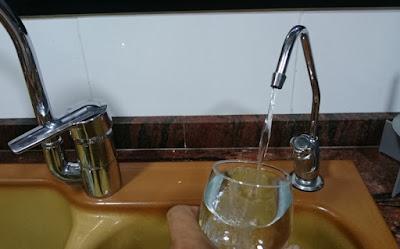 Filtrerat och gott vatten direkt ur kran