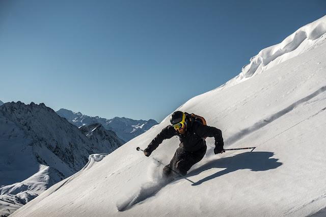 So macht ihr den perfekten freeride schwung mit den skien im backcountry