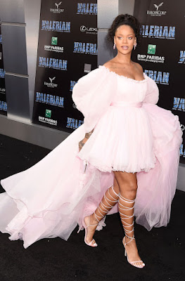 a Rihanna Appears In Valerian And The City Of A Thousand Planets Movie With Seductive Dance Scene