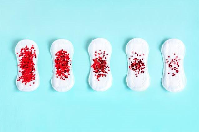 Chu kỳ kinh nguyệt là một trong những nguyên nhân làm cho huyết trắng có mùi hôi