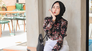 25+-Setelan-Baju-Muslim-Modern-Wanita Berhijab-paling-hits