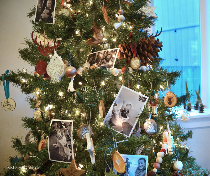 add photos to Christmas tree