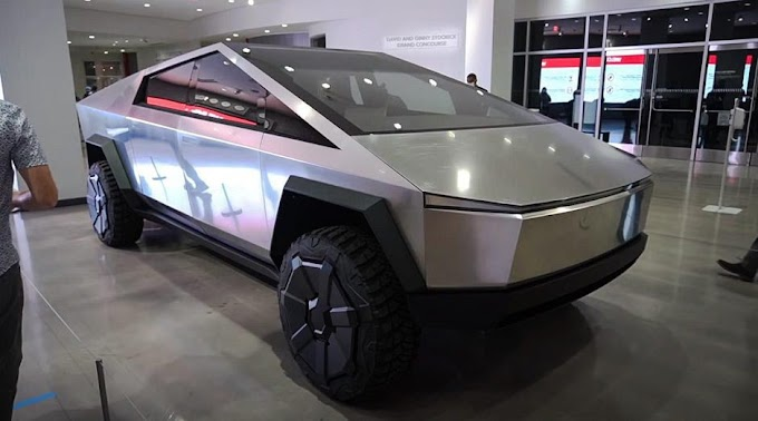 2022 Tesla Cybertruck in front of visitors to the Museum on live