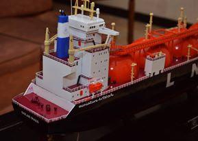 souvenir miniatur kapal liquefied natural gas lng golar mazo terbaik