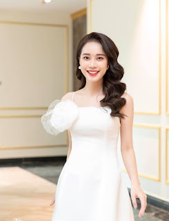 MC Mai Phương của Bữa trưa vui vẻ thi Hoa hậu Việt Nam