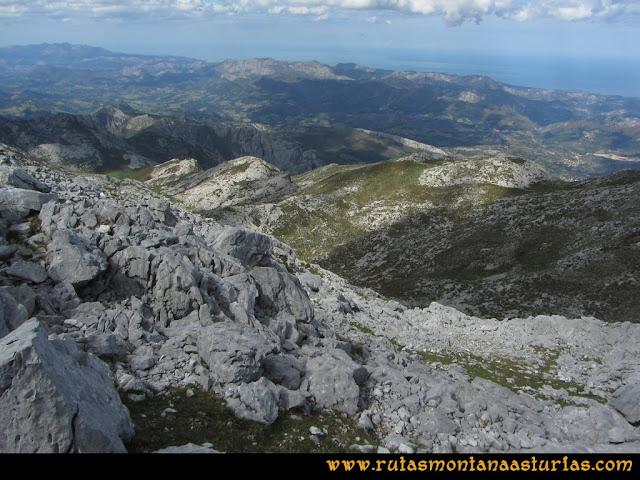 Ruta al Cabezo Llerosos desde La Molina: Bajando
