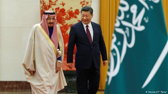 Raja Salman Beri Bantuan China untuk Perangi Corona