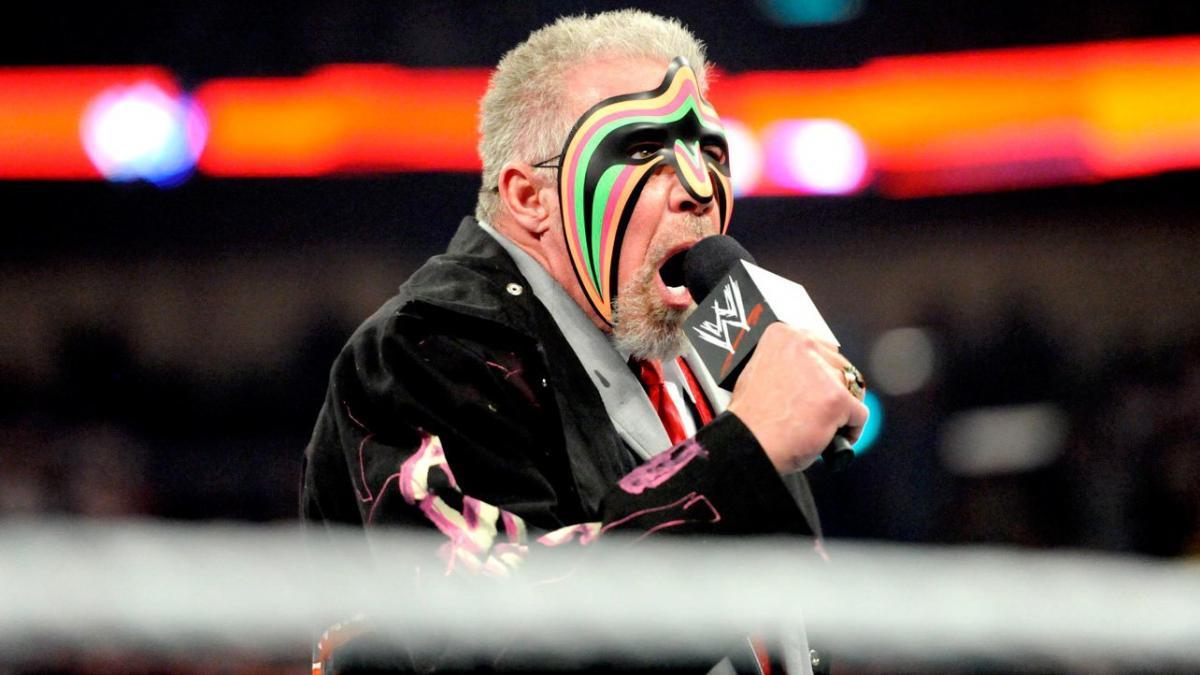 Ric Flair foi substituído por The Ultimate Warrior em vídeo de abertura da WWE