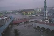 Pasca Gempa 7,7 SR, Kota Palu Diterjang Tsunami